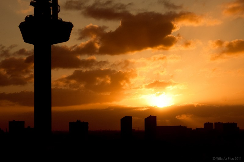 sunrise-rotterdam-euromast
