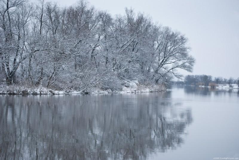 winter-river